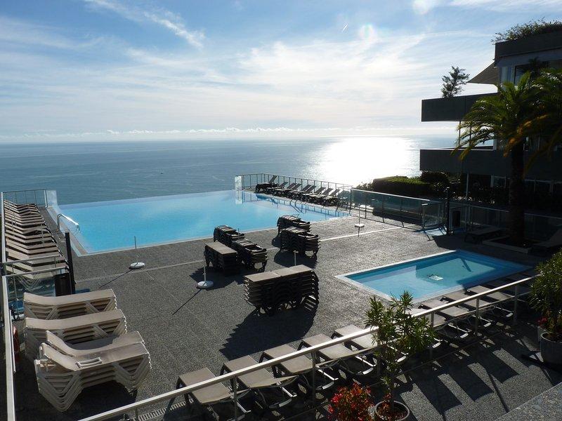 (2) Magnifique piscine et superbe vue sur la mer, vacation rental in Monaco-Ville