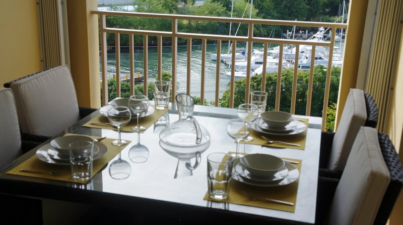 Terrace alfresco dining
