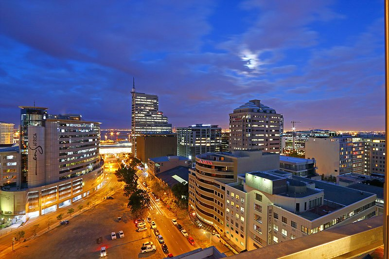 The Icon building is right by the Convention Centre and close to the V&A Waterfront