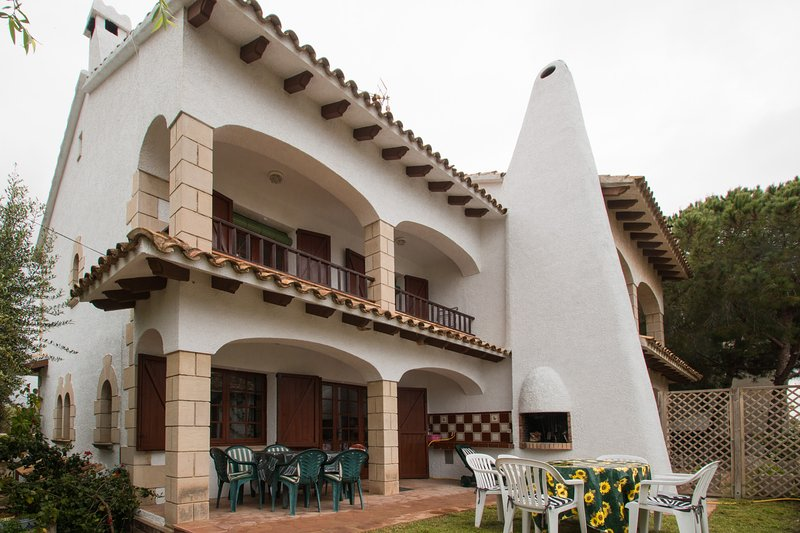 El Trull, casa de tipo rústico a 200 m. de la playa, location de vacances à Creixell