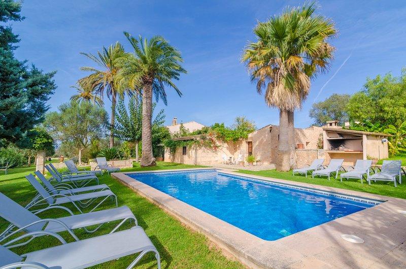 AGROTURISMO ES PLA DE LLODRA (SA BOAL) - Apartment for 2 people in Manacor, vacation rental in Son Macia
