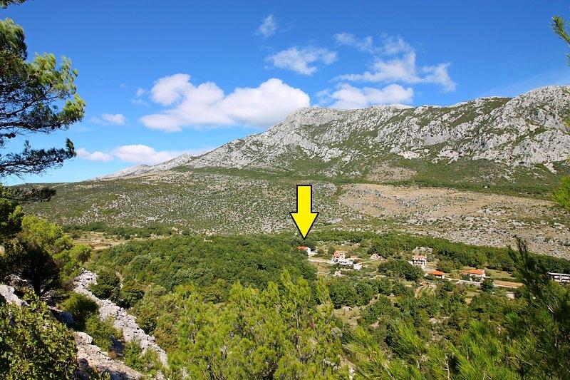 Vue sur Appartement Villa Antoni emplacement dans la montagne et le village environnement