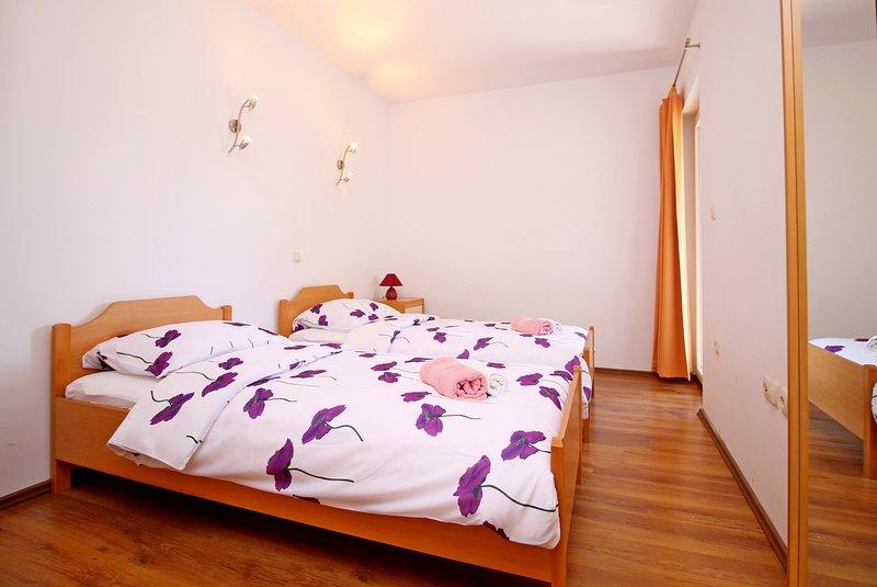 Chambre No3 avec 2 lits simples dans AP2