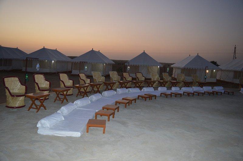 Sam Sand Dunes Desert Safari Jaisalmer, Ferienwohnung in Khuri