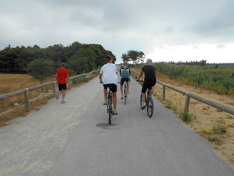 The cycle path leading to the beach at Le Barcares and Rivesaltes