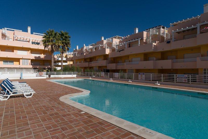 Blige White Apartment, Cabanas Tavira, Algarve, holiday rental in Conceicao
