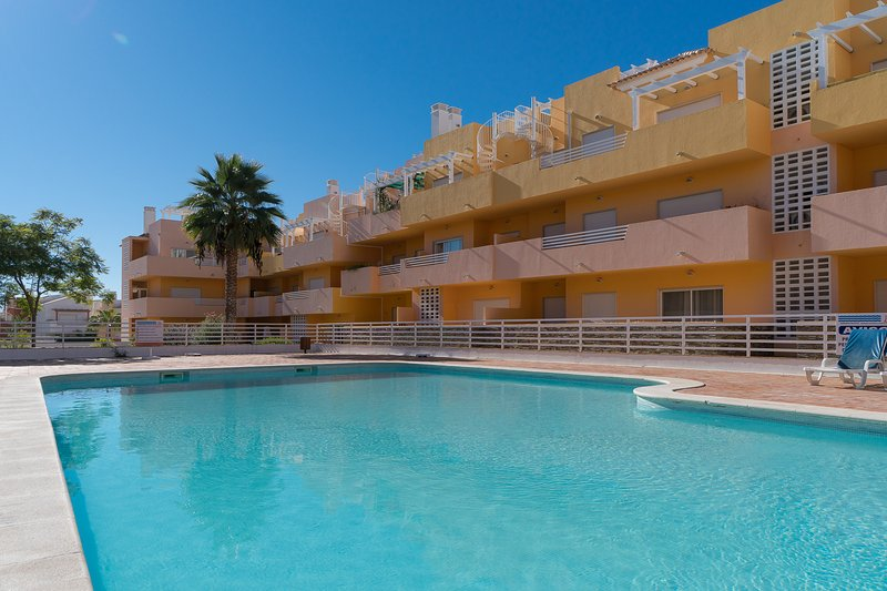 Blige Red Apartment, Cabanas Tavira, Algarve, holiday rental in Conceicao