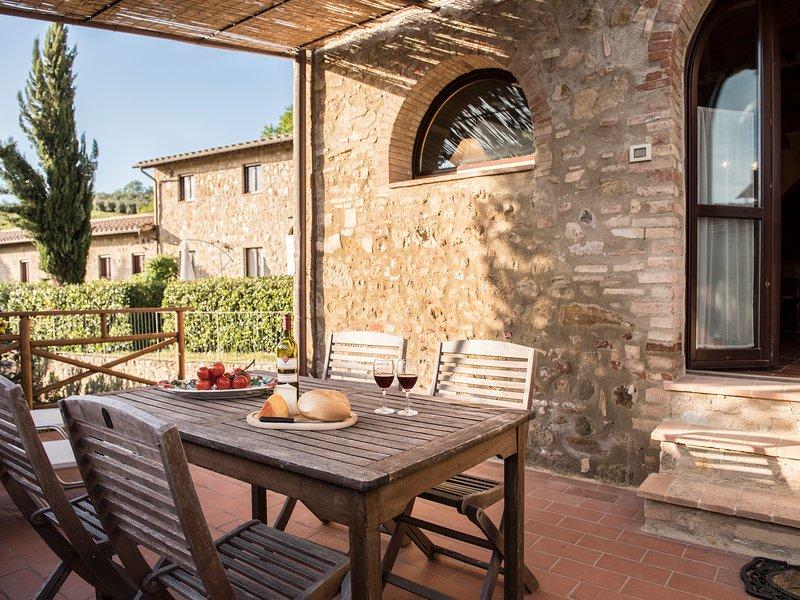 La Roccaia beautiful apartment near San Gimignano, vakantiewoning in Ulignano