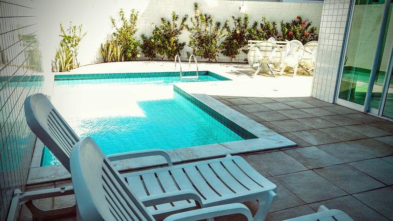 Apartamento Montmatre totalmente mobiliado a 100m da praia, aluguéis de temporada em Paraíba