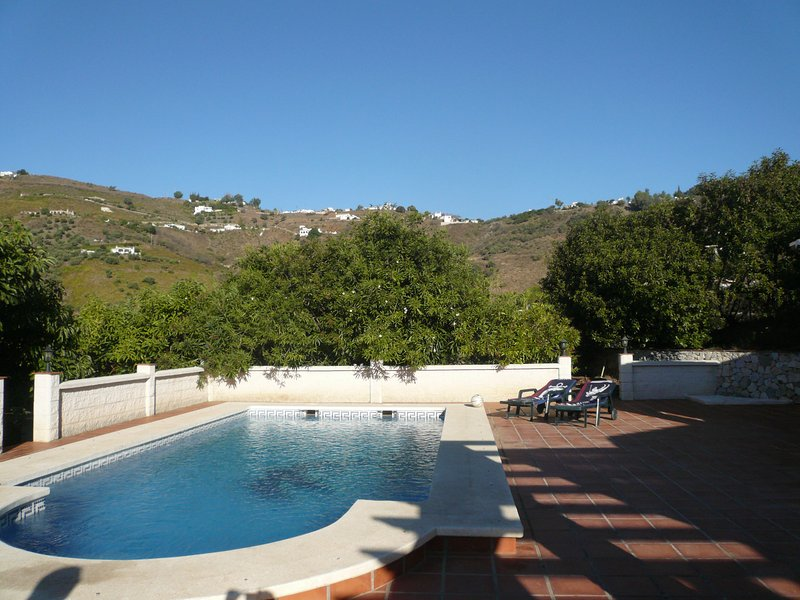 Quite location with beautiful views, easy access to all amenities and private swimming pool