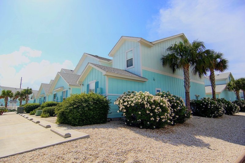 Gull Cottage:Close to Miles of Beaches, Deep Cleaned, Roomy, Amenities Provided, location de vacances à Corpus Christi