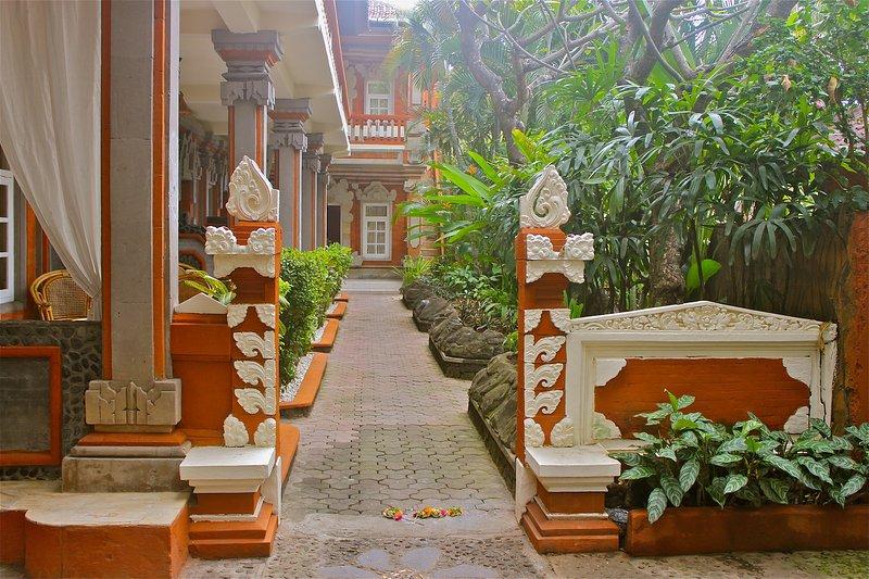 Chonos Hotel Lovina, Ferienwohnung in Kaliasem