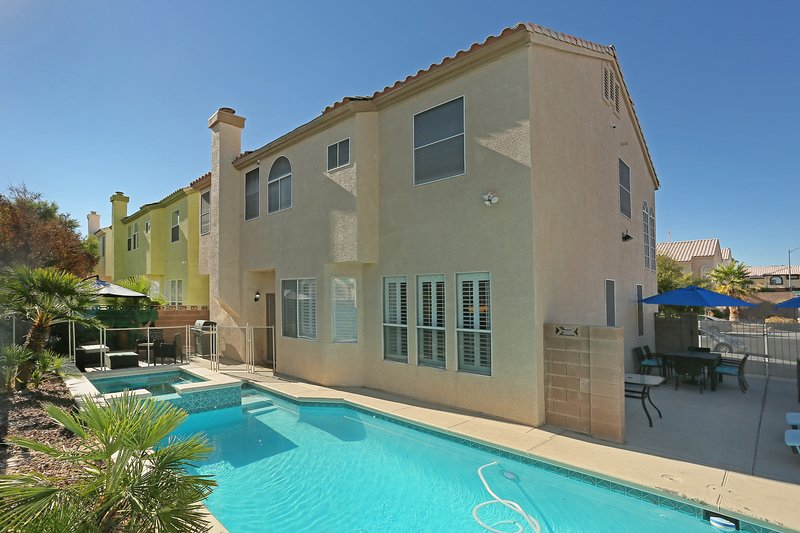 5 Bedroom Pool & Spa Home 15min from Vegas Strip UPDATED ...
