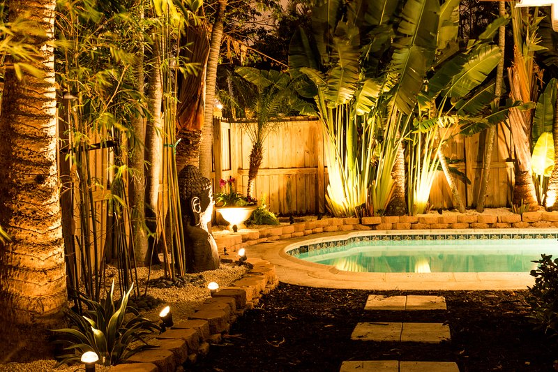 NEW! 4 Bed / 5 Bath Heated Pool in Wilton Manors!, holiday rental in Wilton Manors