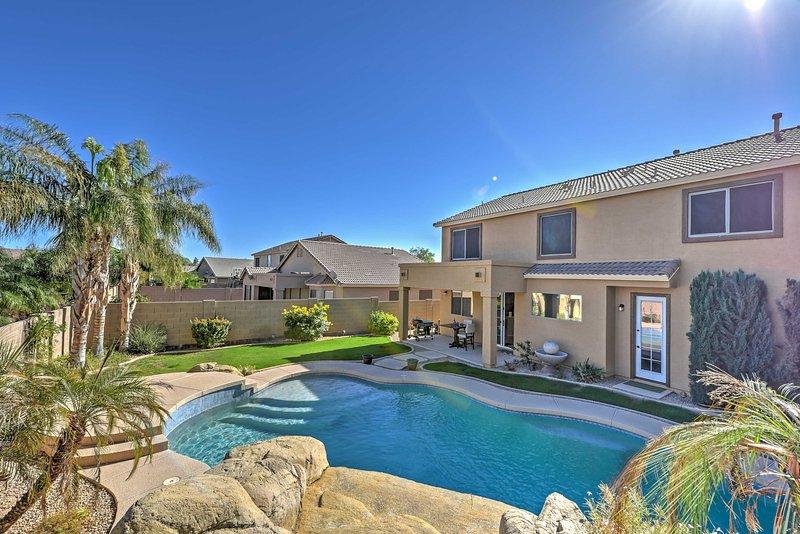 Inviting Surprise Home w/ Private Pool, Near Golf!, alquiler vacacional en El Mirage