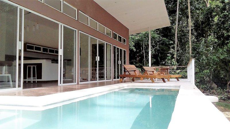 Paraiso pool house, alquiler de vacaciones en Puerto Viejo