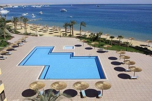 Luxury large Apartment 2 bedroom all rooms with amazing sea view, alquiler vacacional en Hurghada