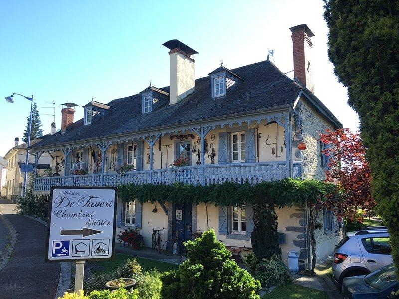 Facade Maison d'hôtes de Faveri dans la vallée du Barétous aux portes du Pays basque