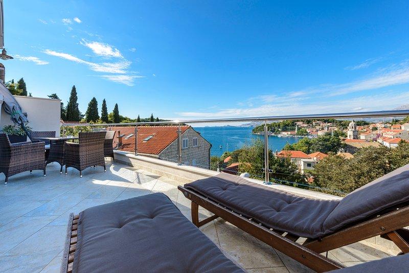 Terrace offering sutunning views of Cavtat bay