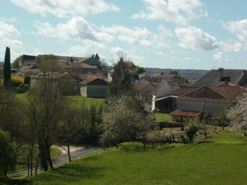 Montagrier - notre village le plus proche