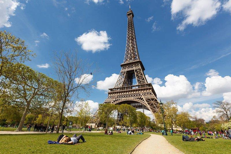 """Die """"Tour Eiffel"""" ist in 20 Minuten von der Wohnung"""