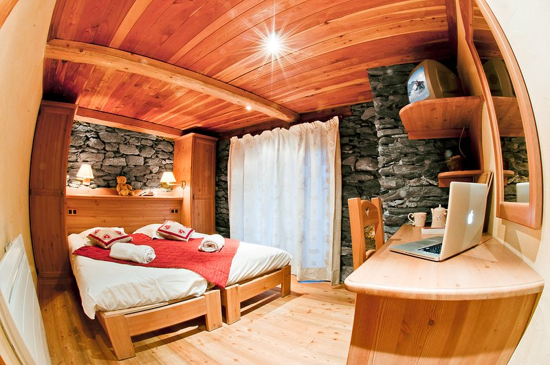 Chalet les Champs du Pont Tignes - apt la Grange 3 rooms 6/8 pers - 1 bedroom