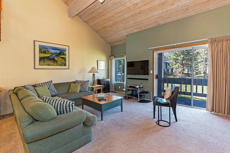 Snowcreek #566 - Living room with balcony