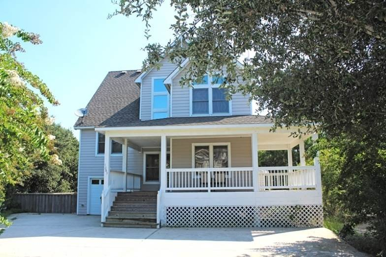 Deck,Porch,Building,Villa,Roof