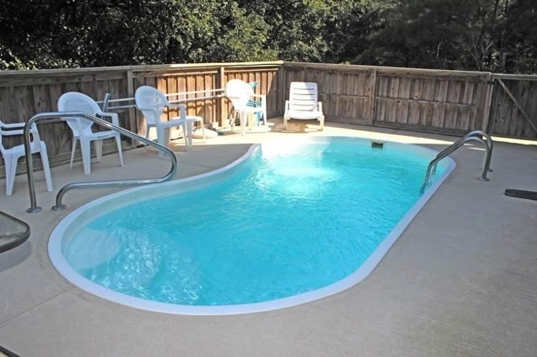 Pool,Water,Sink,Resort,Swimming Pool