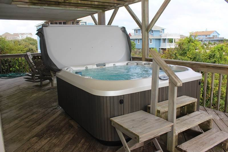 Jacuzzi,Tub,Chair,Furniture,Dining Table