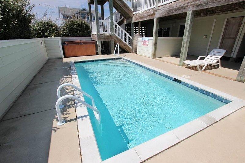 Pool,Water,Building,Villa,Chair