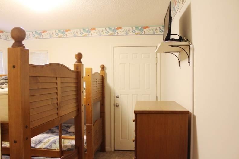 Bedroom,Indoors,Room,Cradle,Crib