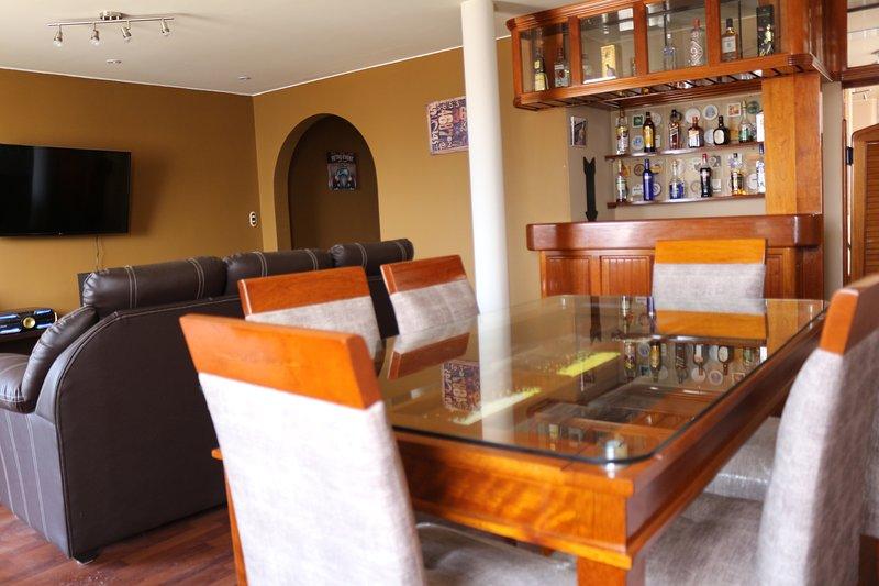 Big Apartment w Jacuzzi close to Miraflores & Barranco, aluguéis de temporada em Santiago de Surco