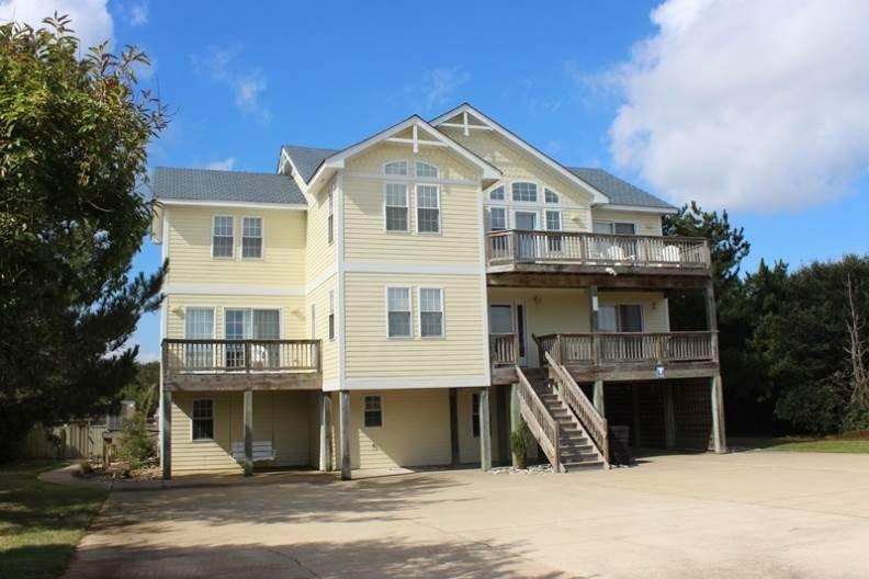 Gebouw, Villa, Deck, Porch, House