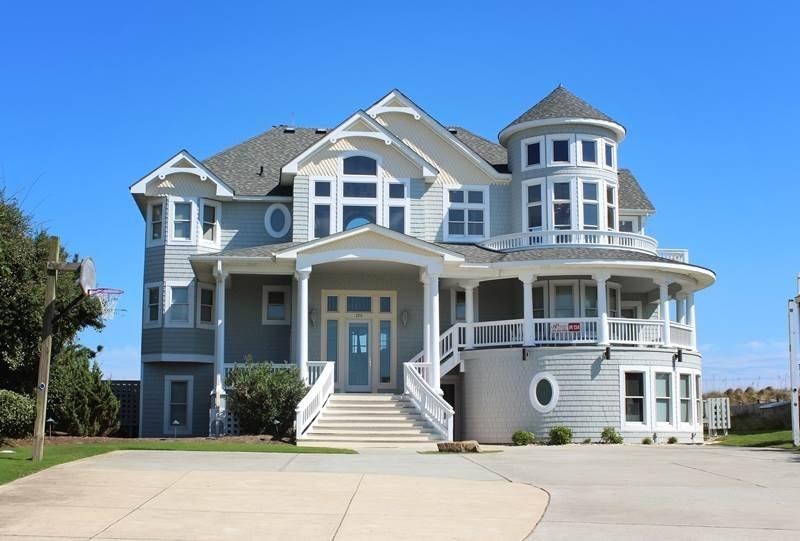 Building,Villa,Cottage,Architecture,Mansion