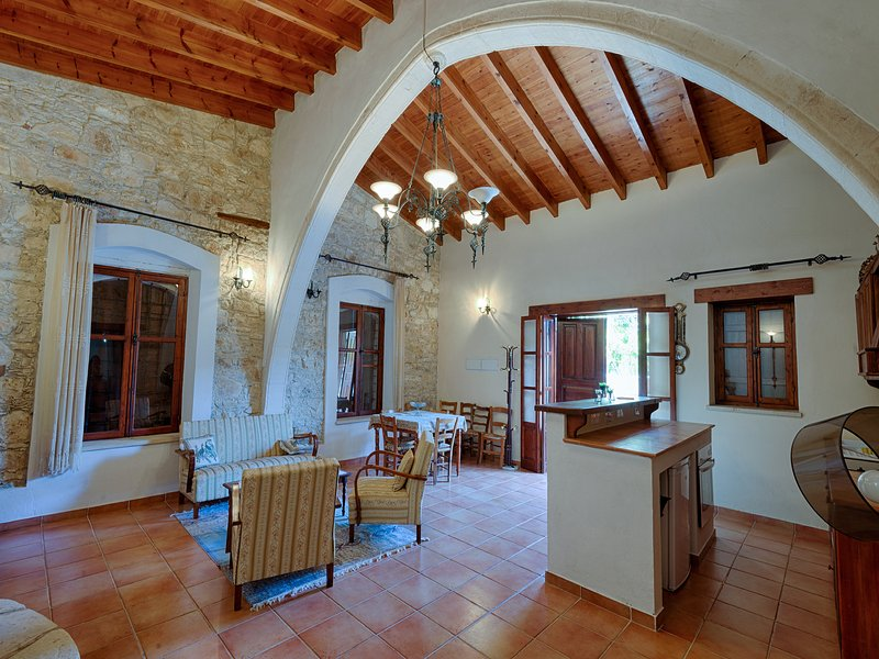 Komi Lofou Traditional Village House, holiday rental in Pano Platres