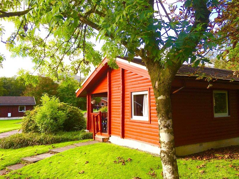 CALLTAINN | Luxury Log Cabin Dunoon Argyll, Ferienwohnung in Dunoon