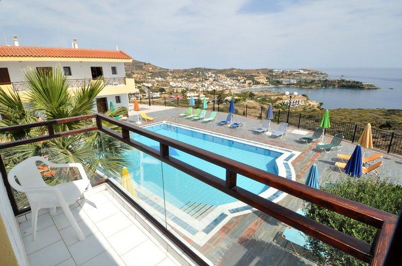 AGIA PELAGIA SEE VIEW  APARTMENT PENNYSTELLA No 5, vacation rental in Agia Pelagia