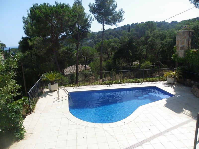 VILLA WITH PRIVATE POOL, GARDEN AND GARAGE NEAR THE BEACH ref JULIA, vacation rental in Tossa de Mar