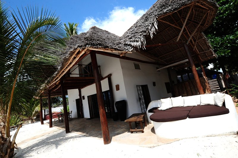 Beachfront Villa Patti ZanzibarHouses, vacation rental in Zanzibar Island