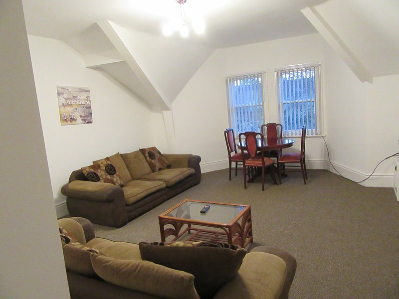 Spacious 1 bedroom apartment, Aigburth, Liverpool, holiday rental in Hale