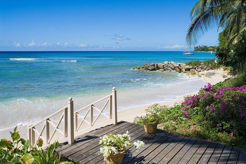 Cañas Bay Beach