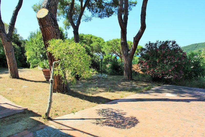 bilocale in villetta/chalet, holiday rental in Biodola