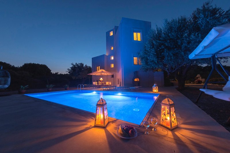DiPasquale villa Near Anthony Quinn, holiday rental in Ladiko