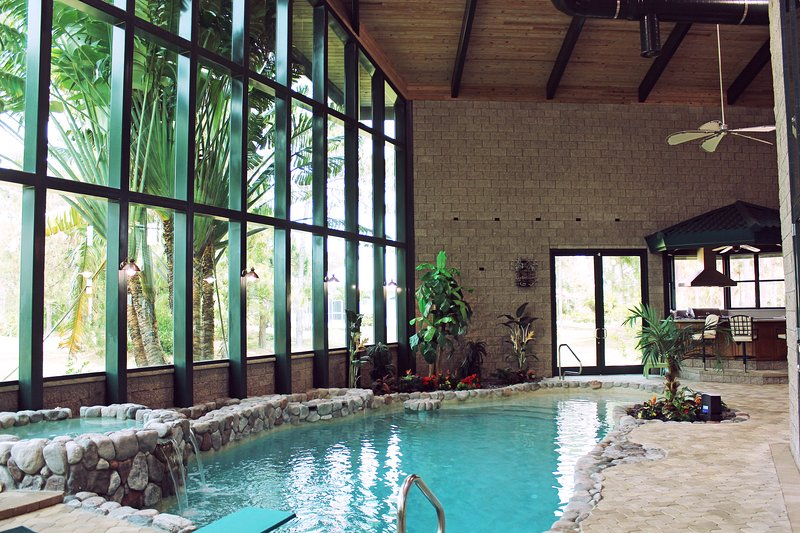 Amazing Dream Villa with Saltwater Pool & Spa, vacation rental in Punta Gorda