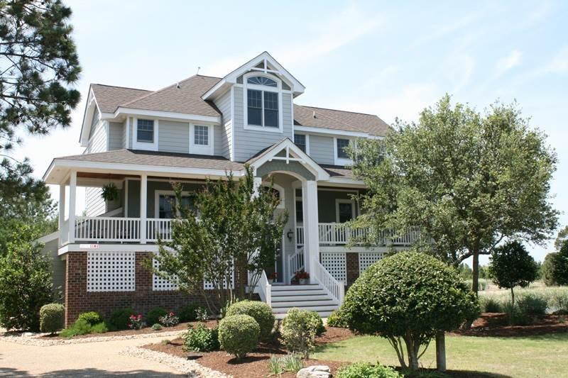 Building,Cottage,Tree,Villa,Siding
