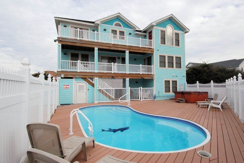 Pool,Water,Building,Villa,Resort