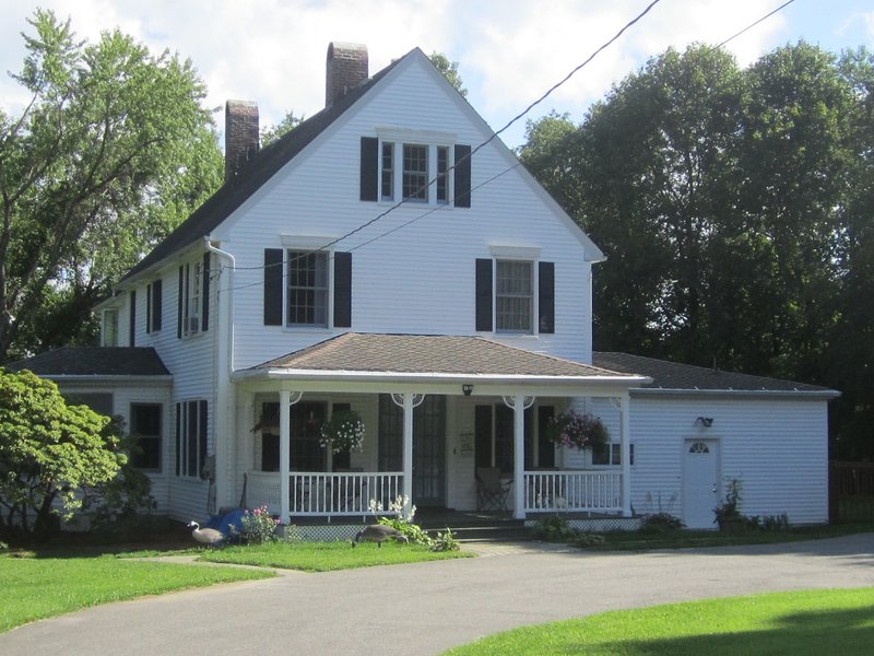 1840'S FARM HOUSE COMPLETELY RENOVATED AND UPDATED. PORCH SWING. CIRCULAR DRIVE. ALMOST 2 ACRES