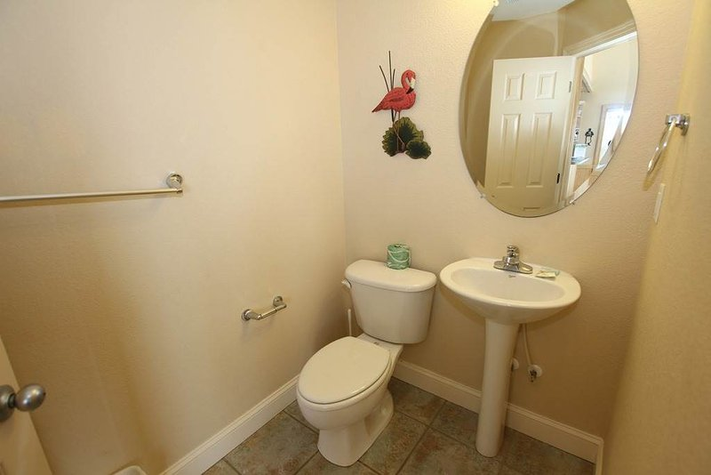 Bathroom,Indoors,Toilet