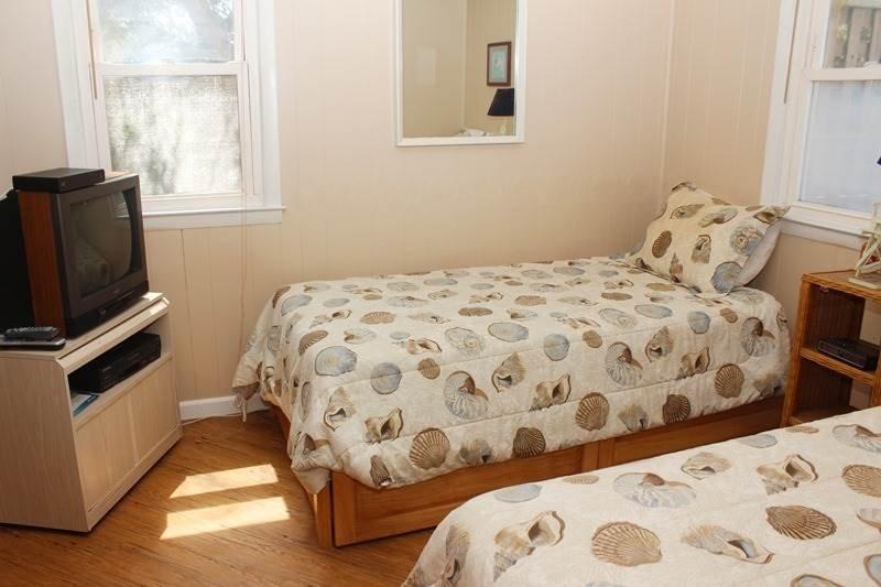 Pantalla, televisión, televisión, cama, dormitorio